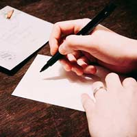 Văn mẫu lớp 5: Viết đơn gửi Ban Giám hiệu xin được học môn tự chọn về ngoại ngữ hoặc tin học