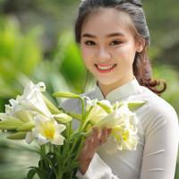 Bộ đề kiểm tra học kì 1 lớp 10 môn tiếng Anh (Ban cơ bản) trường THPT Ngô Lê Tân, Bình Định năm học 2017-2018