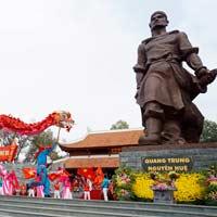 Giải bài tập SGK Lịch sử 4 bài 25: Quang Trung đại phá quân Thanh
