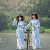 Soạn bài Tà áo dài Việt Nam Tập đọc lớp 5