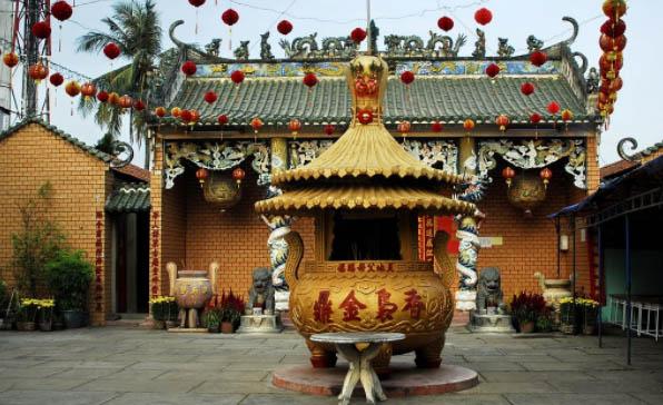 Lễ chùa bà thiên hậu