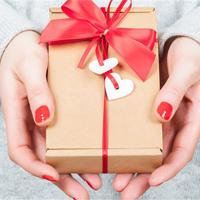 Ngày Valentine 14/2 nên tặng gì cho bạn trai, bạn gái?