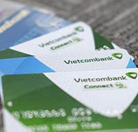 Thẻ ATM Vietcombank rút được tiền ở những cây ATM ngân hàng nào?