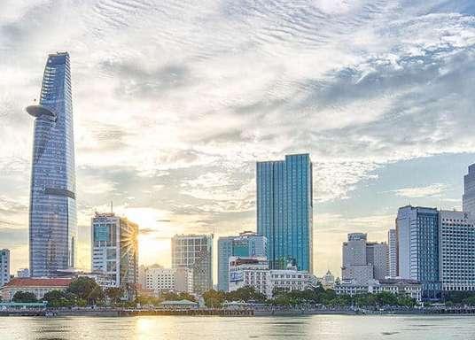 Mô tả thành phố Hồ Chí Minh bằng tiếng Anh