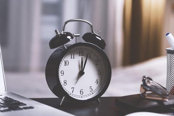 Bài nghị luận xã hội về câu nói thời gian là vàng