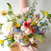 Cách cắm hoa ly nhanh nở tươi lâu ngày Tết